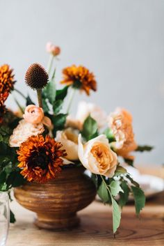 We Love This Floral Designer's Tips For Easy And Relaxed Fall Entertaining | Glitter Guide