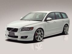 V50 gr8 looking wheels color n car