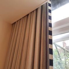 These heavy #linencurtains were made for a client in #arlesford recently. The fabrics are from @christopherfarrcloth - a gorgeous, heavy linen with a leading edge in #kitkemp 's Bow and Arrow fabric. This is one of those #trickywindows we love! The recess is only 12cm wide and finishes about 45cm above the ceiling which made fitting rather tricky. This kind of challenge is common with soft furnishings in #listedbuildings, #renovations and #barnconversions. #hampshire  #hampshirecurtainmakers…