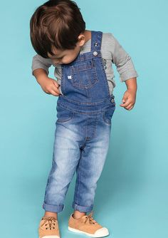 Jardineira Jeans Bebê Menino Com Regulagem Nas Alças Hering Kids Baby Boy Overalls, Toddler Boy Jeans, Overalls Outfit, Boys Jeans, Baby Boy Outfits, Kids Outfits, Little Boy Fashion, Kids Fashion Boy, Toddler Fashion