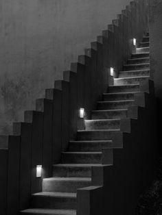 Lámpara de pared LED de acero inoxidable REAL MATTER Colección Outdoor - De pared+De techo By FLOS diseño Piero Lissoni