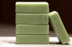 Τα μυστικά του πράσινου σαπουνιού και συνταγή για να φτιάξετε μόνοι σας - Εναλλακτική Δράση Diy Furniture Wax, Diy Beauty, Beauty Hacks, Green Soap, Olive Oil Soap, Simple Minds, Beauty Cream, Perfume, Beauty Recipe