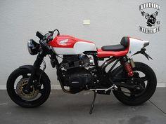 """CB """"350"""" Top - Veja na Garagem: http://garagemcaferacer.blogspot.com.br/2013/07/a-injusticada-cb-350-1974.html"""
