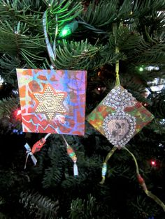 Tiny books of hand-painted (made?) paper, accordion pages - how about 12 pages, monthly events on each page? Or monthly gratitudes? Fabulous ornaments for the family tree, new baby gift, journal, etc.