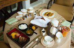Dhara Dhevi Chiang Mai - Room service . . . #travel #thailand #chiangmai #hotel #thaistagram #resort #thaifood #swimmingpool #breakfast #hotelroom #bruch #여행 #태국여행 #치앙마이 #태국 #치앙마이여행 #호텔 #치앙마이호텔 #dharadhevi #호텔조식 #아침식사 #수영장 #허니문 #honeymoon #브런치 #브런치뷔페 #여행스타그램 by yipyoja
