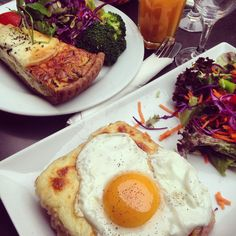 """A great french breakfast of """"croque madame"""" & """"quiche lorrain"""" at Le Nemour, Paris"""