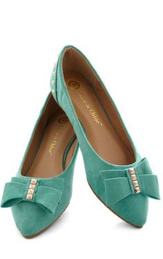 sweet bow flats...pretty color, too! :)