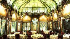 Paris, La Fermette Marbeuf restaurant.