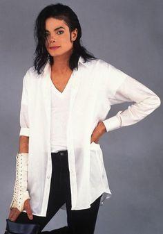 michael-jackson-black-or-white-outfit-white-1744761716