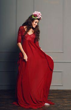 Burgundy wedding dress with Empire waist van CathyTelle op Etsy