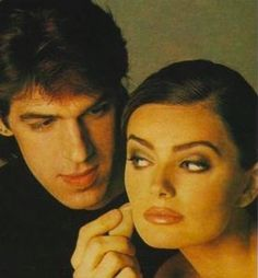 You can thank late makeup artist Kevyn Aucoin for inventing contoured cheeks, overdrawn lips, and strobing. Makeup Tips, Beauty Makeup, Makeup Ideas, Overdrawn Lips, Kevyn Aucoin Makeup, Mario Dedivanovic, Blue Eyed Baby, Cool Hair Color, Hair Colors