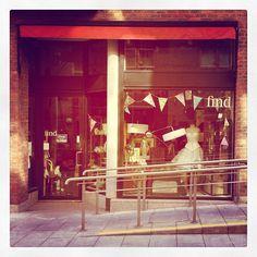 #Inside #Find #Vintage #TempleBar #Cowslane #Dublin#Find #Vintage #Ireland #Vintage #Vintagehomewares #market #Vintagefinds #Vintagehunting #Picker #Independentshop #Original #Irishcraft #recycle #redo #transformation #upcycle #paint #renovate #anniesloanchalkpaint™ #shopwindow