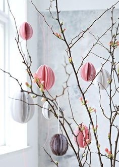 Easter shrub with DIY Easter eggs in pastel colors. Beautiful spring decoration >> Very modern neon Easter Easter shrub with DIY Easter eggs in pastel colors. Beautiful spring decoration >> Very modern neon Easter Tissue Paper Decorations, Easter Tree Decorations, Table Decorations, Quince Decorations, Easter Garland, Easter Table, Easter Eggs, Easter Food, Easter Dinner