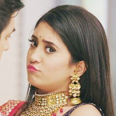 Twitty 🐥🐥 😘😘😘... Expression queen #shivangijoshi @shivangijoshi18 #nairagoenka #kaira #yrkkh Cute Love Couple, Cutest Couple Ever, Cute Couple Pictures, Hairstyles For Gowns, Casual Hairstyles, Romantic Couples, Cute Couples, Shivangi Joshi Instagram, Crown Tattoo Design