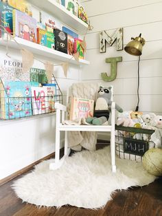 Getting books up on the wall is such a good idea - Not only does it serve as functional wall decor, but it gives kids more room to play and see all their favorite books!