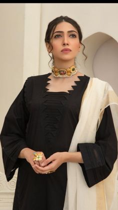 Neck Designs For Suits, Sleeves Designs For Dresses, Neckline Designs, Dress Neck Designs, Pakistani Fashion Party Wear, Indian Fashion Dresses, Indian Designer Outfits, Stylish Dresses For Girls, Simple Dresses