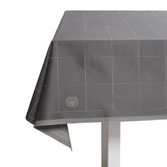 ENGESVIK BY HAND TABLECLOTHS Andreas Engesvik's design is based upon a simple but elegant hand-drawn line