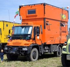 The Perky Mog was one of several featured vehicles at the show - note full length raising cabin roof