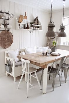 Kitchen dining, cabin interiors, kitchen remodel, farmhouse decor, living r Cozinha Shabby Chic, Banquette Design, White Walls, Farmhouse Decor, Sweet Home, New Homes, Dining Table, Kitchen Dining, Room Decor