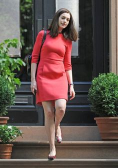 Anne Hathaway Photos: Anne Hathaway On The Set Of 'The Intern'