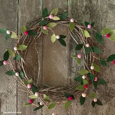 Felt Berry Branches - Lia GriffithDIY homemade spring decoration: wreath of twigs with a hand-made garland that makes you want to springBeautiful Felt Christmas Greenery Wreath Felt Flower Wreaths, Felt Wreath, Diy Wreath, Felt Flowers, Diy Garland, Felt Christmas Decorations, Christmas Wreaths, Christmas Ornaments, Spring Decorations