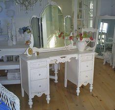 Chabby Chic Corner Makeup Vanity | Vanity shabby chic furniture dresser by backporchco on Etsy