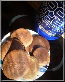 Les pancakes hyper-protéinés, le retour!! Cette fois-ci, j'ai testé une toute nouvelle recette à base d'amandes et de protéines goût beurre...