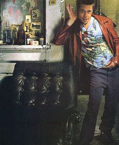 Brad Pitt on the set ofFight Club(1999)