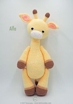 Amigurumi Pattern: Alfa Giraffe : It's time to receive pure tenderness and give our heart to a new member of Tarturumies …. She's ALFA! ♥ On last July 15 we celebrated the birthday Crochet Giraffe Pattern, Crochet Animal Patterns, Stuffed Animal Patterns, Crochet Patterns Amigurumi, Amigurumi Doll, Crochet Animals, Crochet Dolls, Cute Crochet, Crochet Crafts