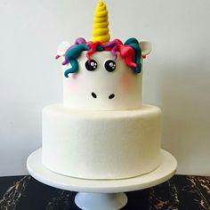 Cutest Unicorn cake idea thats savage Fancy Cakes, Cute Cakes, Pretty Cakes, Beautiful Cakes, Amazing Cakes, Fondant Cakes, Cupcake Cakes, Bolo Cake, Novelty Cakes