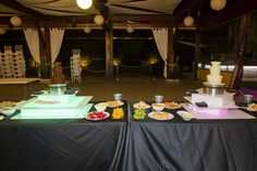 Candy bar fuente de chocolate boda Bar, Table Decorations, Chocolate, Fonts, Chocolates, Brown, Dinner Table Decorations
