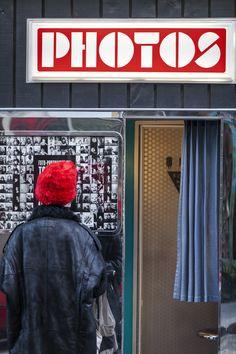 https://flic.kr/p/NKHwRA   Le Photomaton de la Rue des Abbesses - Paris   Décembre 2016