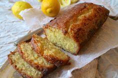 Svampet citronkage med citronglace - lækker, syrlig og saftig citronkage