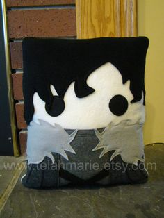 Dont be fooled by copycat shops on Etsy. This is the original Jon Snow game of thrones pillow. All of my pillows are 100% original designs. This item Game Of Thrones Names, Game Of Thrones Party, Game Of Thrones Gifts, Nerd Crafts, Black Throw Pillows, Toss Pillows, Accent Pillows, Jon Snow, Game Of Thrones Geschenke