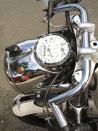 headlight cafe racer - Google-søgning Cafe Racer Headlight, Cafe Bike, Cool Bikes, Old School, Café Racers, Racing, Cool Stuff, Gauges, Clocks