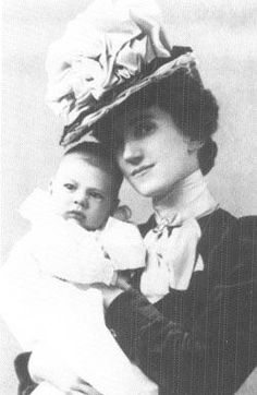 Baby photo of Humphrey Bogart Actor 1940s and his mother