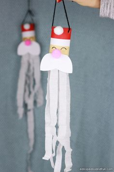 Santa Windsock Toilet Paper Roll Craft - Easy Peasy and Fun Preschool Christmas, Christmas Crafts For Kids, Preschool Crafts, Toilet Roll Craft, Toilet Paper Roll Crafts, Crafts To Do, Easy Crafts, Arts And Crafts, Christmas Cards Drawing