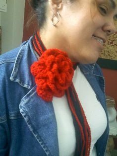 Bufanda flor. tejido a ganchillo.