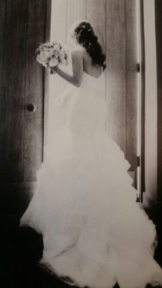 Beautiful #wedding| love dress #pronovias #photography: Jose Villa