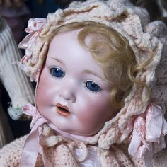 The Puppenhausmuseum houses an exquisite collection of over 2500 antique dolls, doll houses, rare miniatures and other children's toys Old Dolls, Antique Dolls, Vintage Dolls, Big And Beautiful, Beautiful Dolls, Doll Museum, Baby Girl Dolls, Hello Dolly, Reborn Dolls