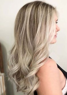 30 Lovely Silver Blonde Hair Color Trends in 2018