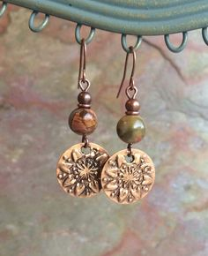 Boho cobre pendientes de cobre flores por RusticaJewelry en Etsy