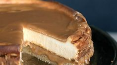 This banana blondie-bottomed cheesecake is dripping with gooey caramel Cheesecake Recipes, Dessert Recipes, Cinnamon Cheesecake, Caramel Cheesecake, Dessert Food, Easter Recipes, Dessert Bars, Delicious Desserts, Banana Blondies