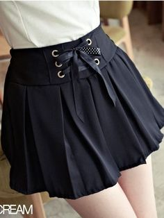 Fashionable Women's Natural Waist Pleated Skirt In Black