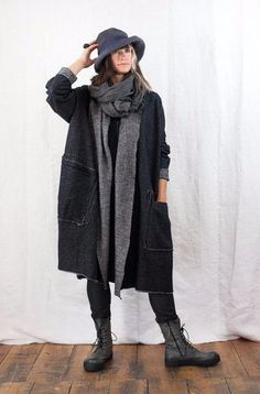 Love the grey scarf and hat. Rundholz Wide Cardigan Style Coat by bluewomensclothing Mode Outfits, Fashion Outfits, Womens Fashion, Look Fashion, Winter Fashion, Fashion Design, Look Street Style, Cardigan Fashion, Mode Style