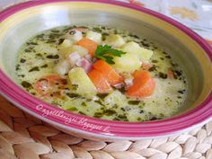 Az otthon ízei: Tárkonyos-tejfölös krumplileves Turkey Wild Rice Soup, Hungarian Recipes, New Cookbooks, Easy Food To Make, Soups And Stews, Chowder, Food Porn, Food And Drink, Healthy Eating