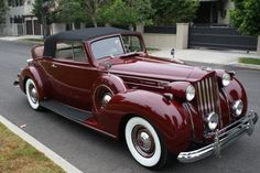 """doublesixdaimler:  """"1938 Packard 12 1607 Rumble seat convertible. Another fabulous colour on a stunning car.473 cu in 175 hp.  """""""