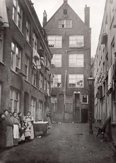 Amsterdam Photos, I Amsterdam, Amsterdam Netherlands, Old Pictures, Old Photos, Amsterdam Jordaan, Jewish History, The Old Days, Black And White Pictures