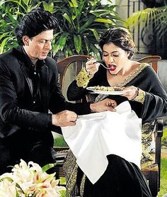 "Shah Rukh Khan and Kajol during the promotion of the film ""Dilwale"" / Calcutta city"