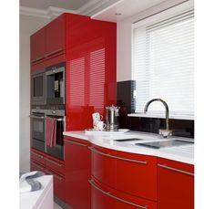Glossy red kitchen cabinets - Home and Garden Design Ideas